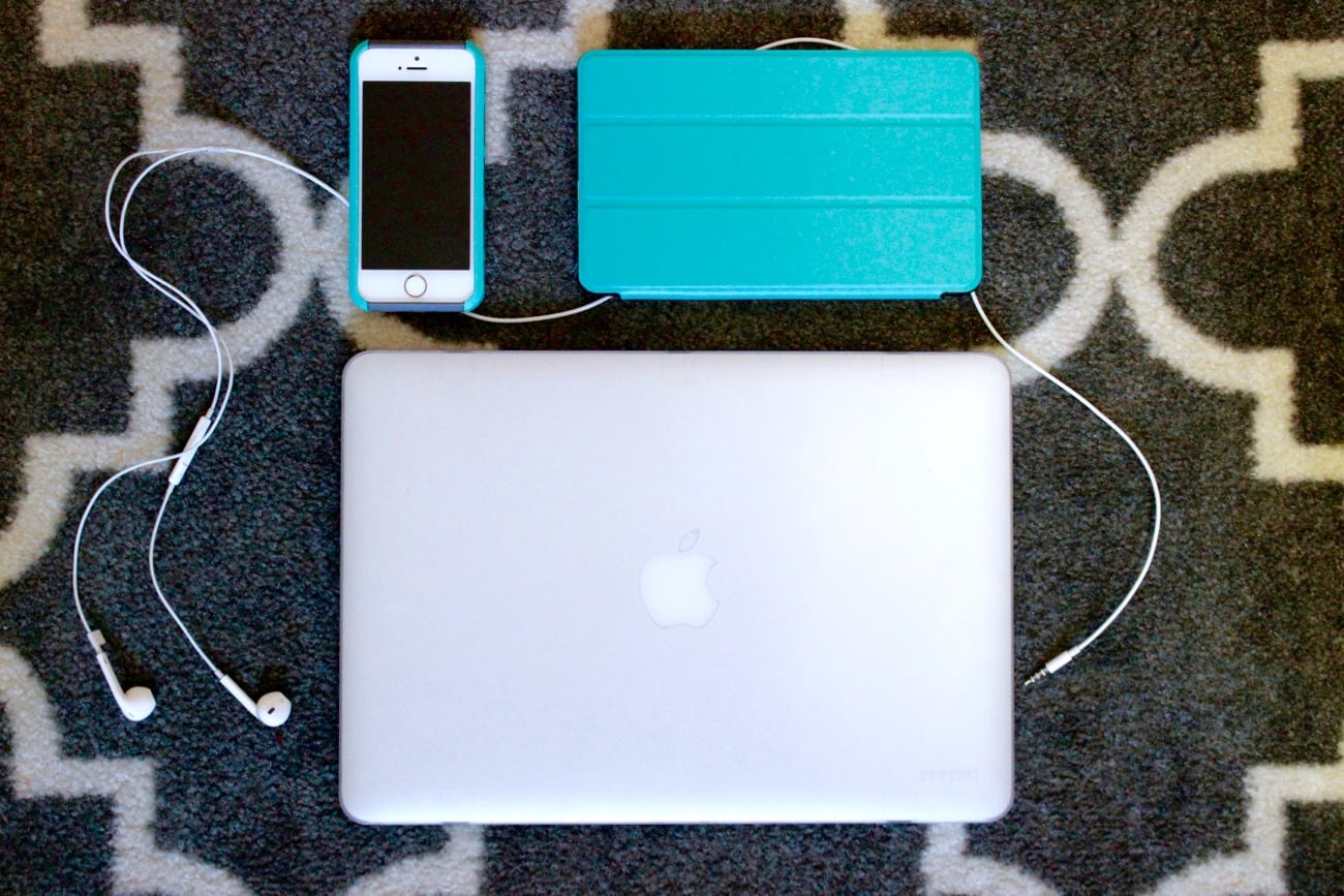travel essentials electronics