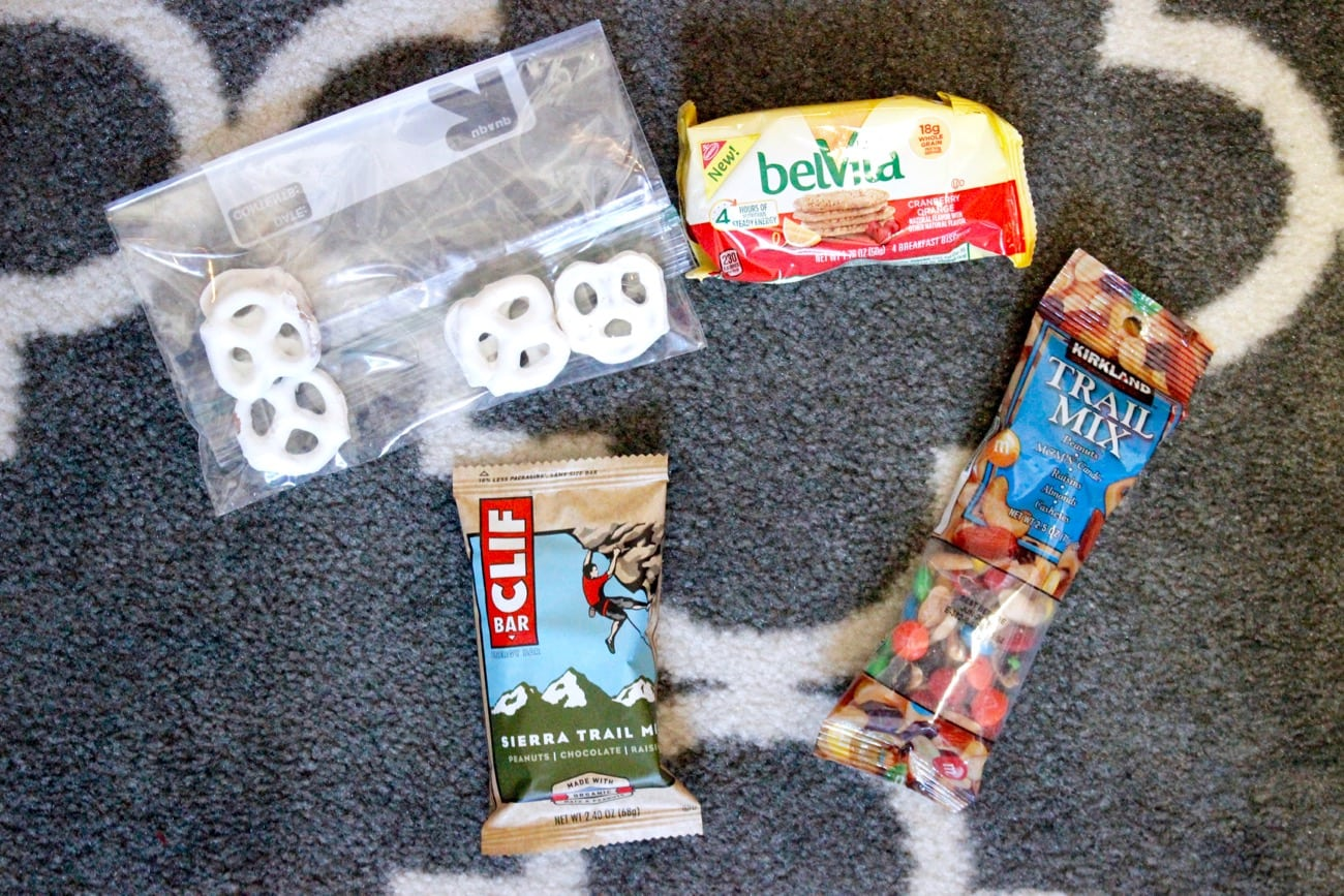 travel essentials snacks