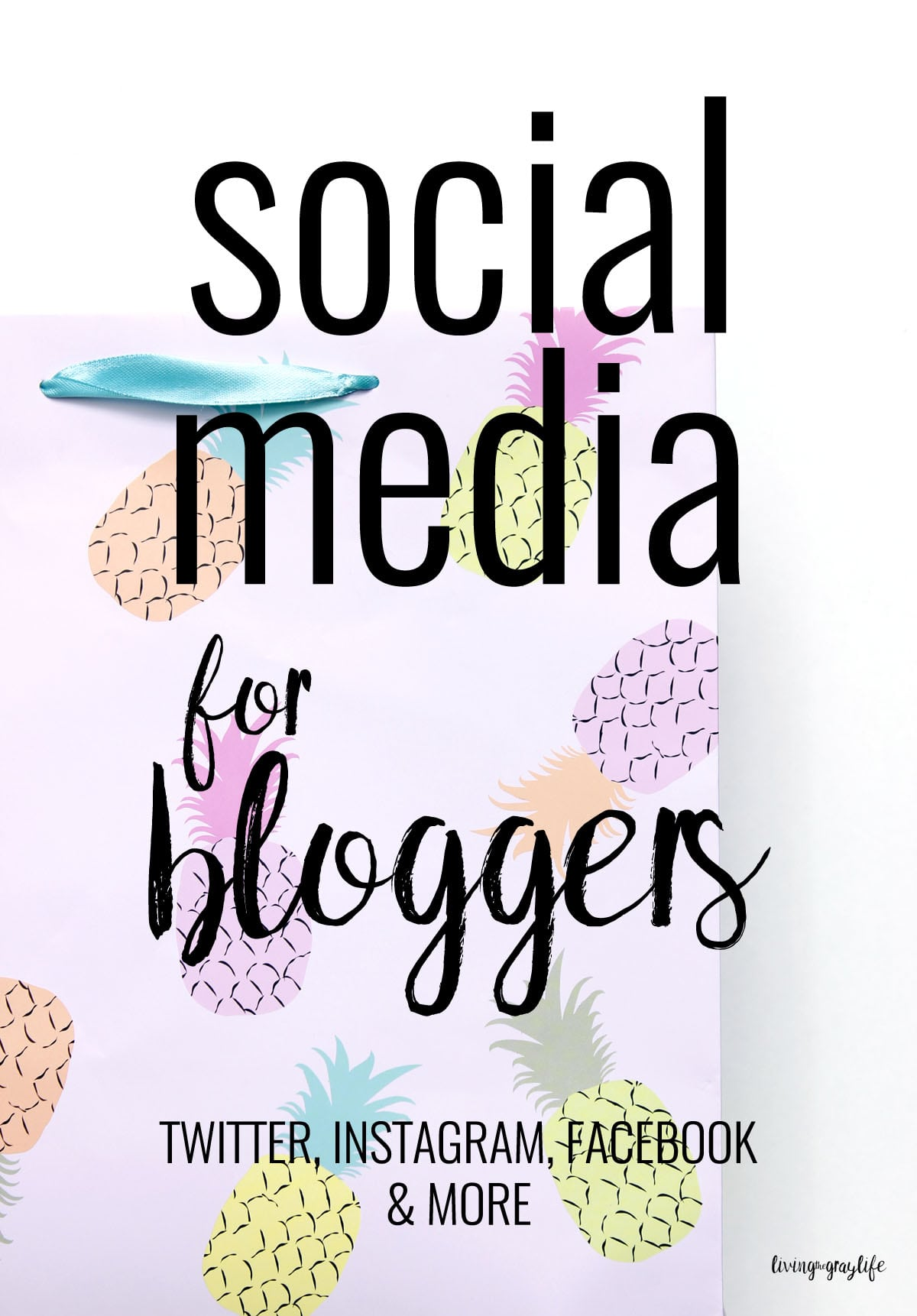Social media for bloggers: Struggling to grasp social media as a blogger? Follow these simple tips to help grow your social platforms!